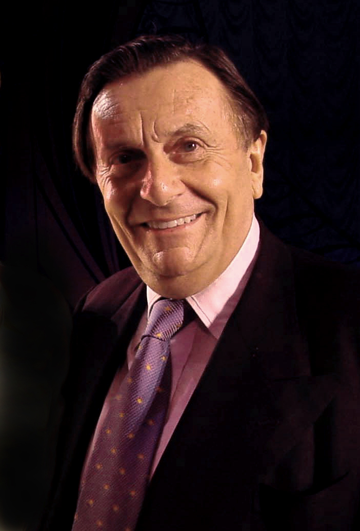 Barry_Humphries_July_2001