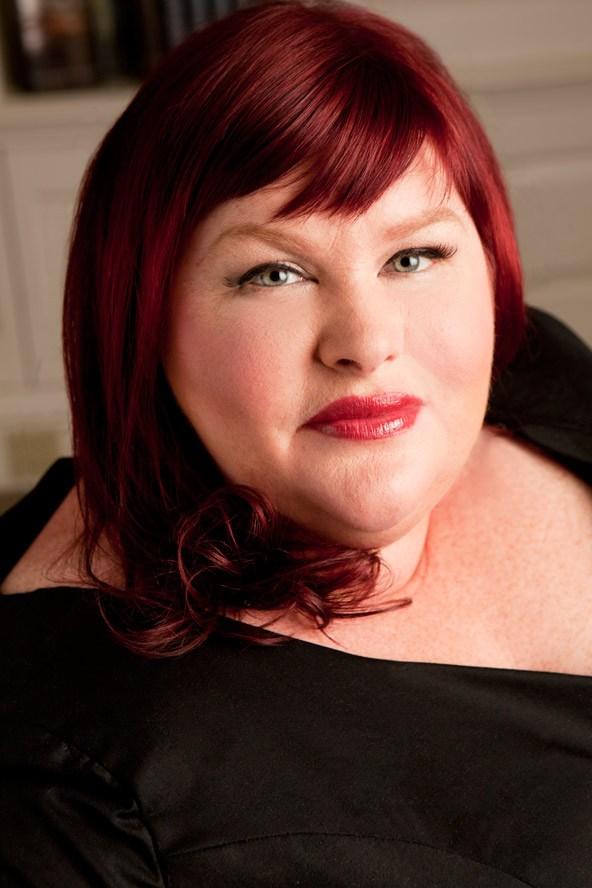 CassandraClare_glamour_28may14_Kelly_Campbell_b