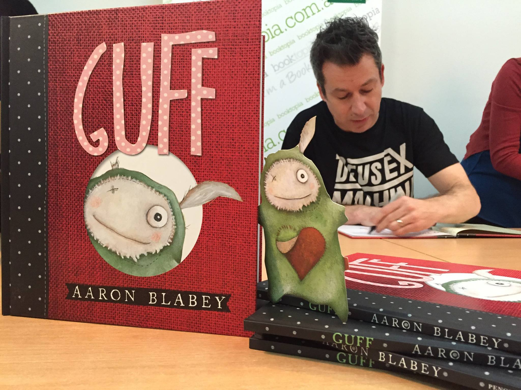 Aaron Blabey signing copies of Guff