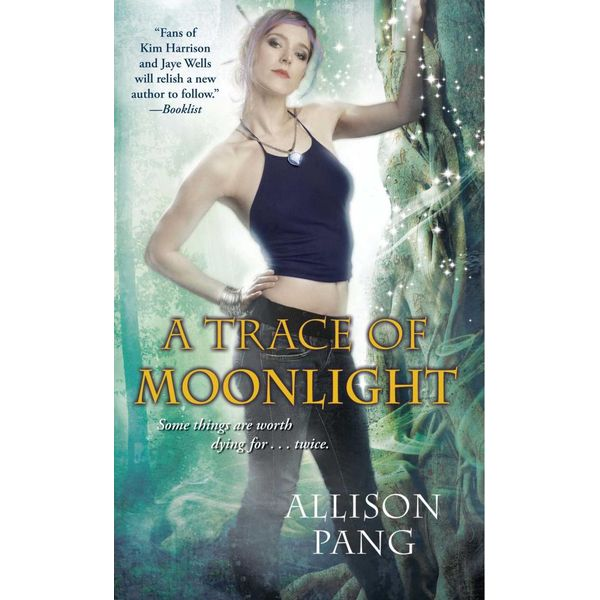 A Trace of Moonlight - Allison Pang | Karta-nauczyciela.org
